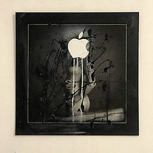 Fotografie - Apple from garden of Eden or Evil? - 9097603_