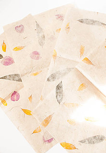 Papier - Ručný papier s kvetmi - 9096618_