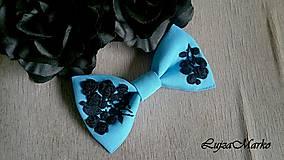 Odznaky/Brošne - Tyrkysovo-čierný dámsky motýlik - 9098930_