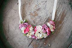 Náhrdelníky - kvetinkový náhrdelník - 9098711_