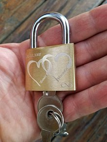 Drobnosti - Gravírovaný zámok pre zamilovaných - 9102795_