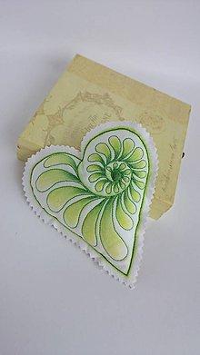 Dekorácie - Srdiečka maľované štetcom a ihlou - kus (Zelená) - 9105845_