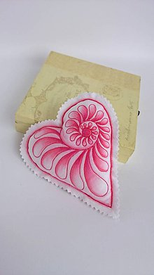 Dekorácie - Srdiečka maľované štetcom a ihlou - kus (Červená) - 9105879_
