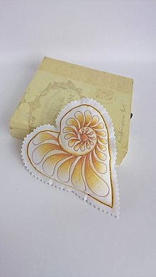 Dekorácie - Srdiečka maľované štetcom a ihlou - kus (Béžová) - 9105885_