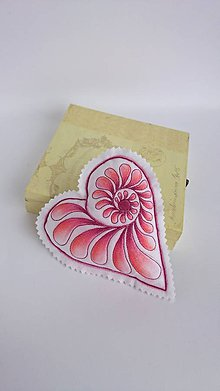 Dekorácie - Srdiečka maľované štetcom a ihlou - kus (Červená) - 9105893_