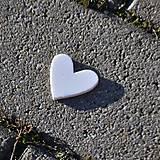 Materiál ručne robený - Výrez Srdce 3,2x3 cm - 9103320_