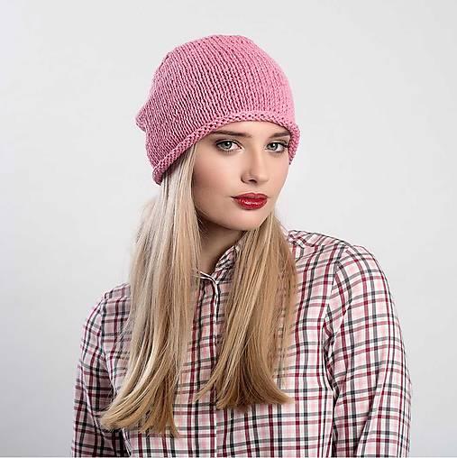 Růžová čepice