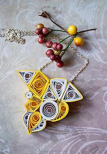 Náhrdelníky - Quilling náhrdelník Lúče slnka - 9103990_