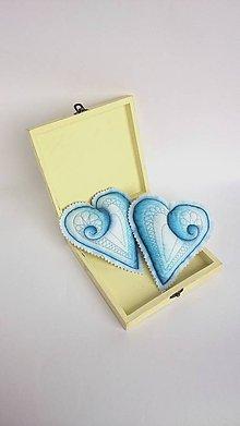 Dekorácie - Srdiečka maľované štetcom a ihlou  (Modrá) - 9108339_