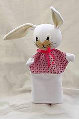 Maňuška. Zajačik biely ako sneh.