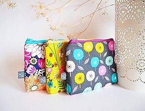 Taštičky - Kozmetické taštičky malé - farebné kvety - 9114762_