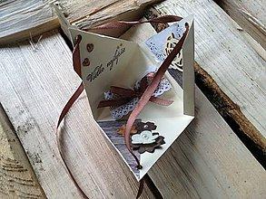 Papiernictvo - trojuholníkový  _exploding box - 9113690_
