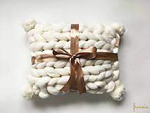 Úžitkový textil - Merino vankúš POM POM - 9112261_