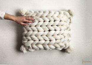 Úžitkový textil - Merino vankúš POM POM - 9112251_