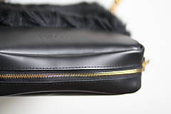 Kabelky - Koženo- kožušinová kabelka CROSSBODY- čierna - 9113683_
