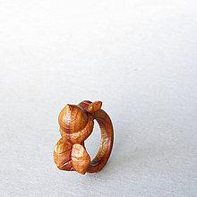 Prstene - Veveričkový - drevený prsteň - 9118090_
