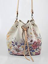 - Veľká elegantná ručne maľovaná kabelka/batôžtek