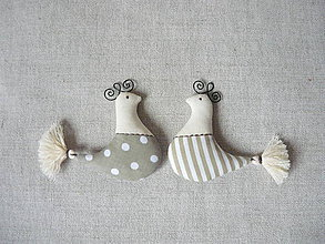 Dekorácie - Dekorácia vtáčik béžový bodka a pásik - 9119316_