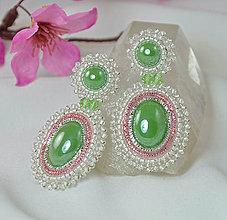 Náušnice - Visiace náušnice vyšívané, zelené, Swarovski - 9118183_