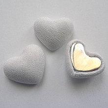 Polotovary - Látkové srdce 15x18mm-1ks (biela) - 9121427_