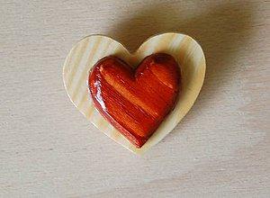 Odznaky/Brošne - Predaná Brošňa z dreva - srdce 2 - 9123537_