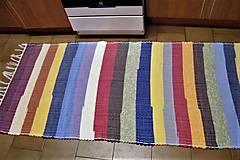 - Tkaný pestrofarebný koberec - 9123323_