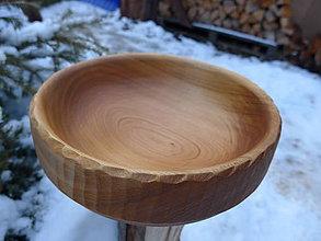 Nádoby - Drevená čerešňová miska s rezbou - 9127655_