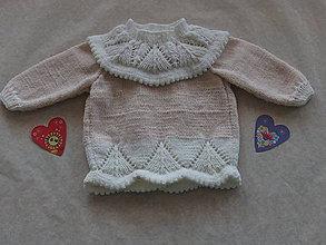 Detské oblečenie - Dievčenský svetrík so zapínaním vzadu - 9124872_