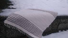 Úžitkový textil - Chlpatý biely so sivými pásikmi - 9126492_