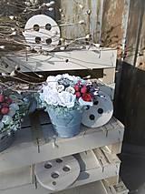 Dekorácie - biele ruže s príchuťou malín vo vedierku so - 9132852_