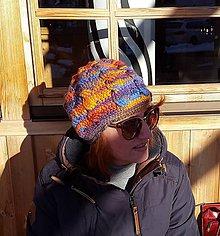 Čiapky - Háčkovaná vlnená čiapka s osmičkami - AKCIA 10 - 9129716_