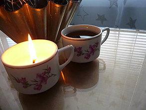 Svietidlá a sviečky - sviečka v šálke s pokryvkou (sviečka v plnej výbave + šálka) - 9131640_
