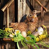 Dekorácie - Jarný drevený domček so sliepočkou - 9129673_