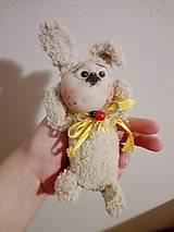 Dekorácie - Veselý zajačik. - 9132499_