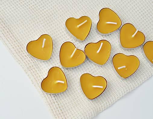 Svietidlá a sviečky - čajové sviečky v tvare srdca - 9135605_