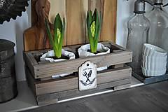 Nábytok - Debnička ako malá jarná záhradka - 9137146_