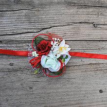 Náramky - Náramky pre družičky červeno-biele s ľaliou - 9139697_