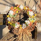 Dekorácie - Jarný šiškový veniec na dvere - 9144209_