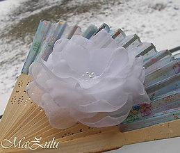 Odznaky/Brošne - textilná brošňa v bielom - 9145019_