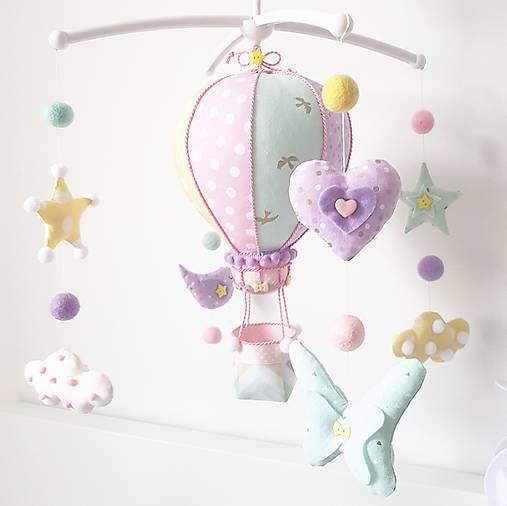 Detské doplnky - Kolotoč nad postieľku pastelový let balónom - 9146387_
