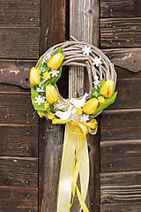 Dekorácie - Jarný žltý venček na dvere s vtáčikmi - 9144362_