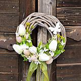 - Veľkonočný venček na dvere s motýľmi - 9144392_