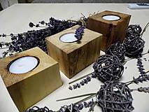 Sada drevených svietnikov