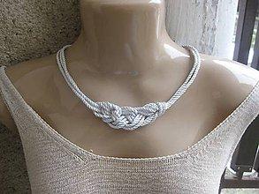 Náhrdelníky - Uzlový náhrdelník z troch šnúr (Biely hrubší č.1733) - 9145949_