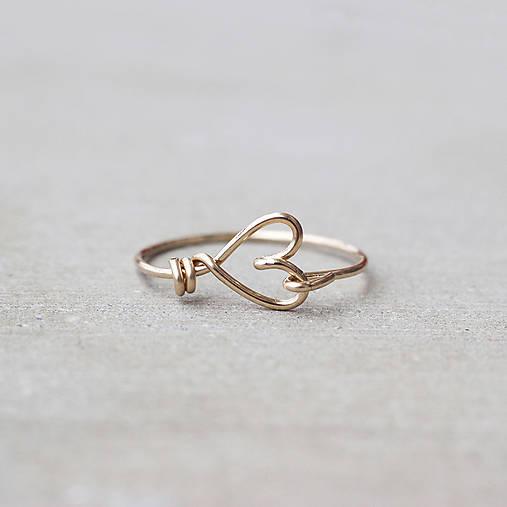 Pozlátený prsteň so srdiečkom (zlato)