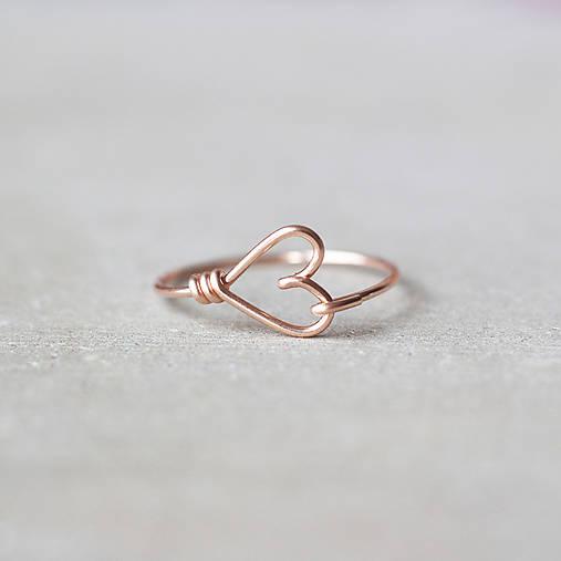 Pozlátený prsteň so srdiečkom (ružové zlato)