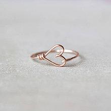 Prstene - Pozlátený prsteň so srdiečkom (ružové zlato) - 9152222_