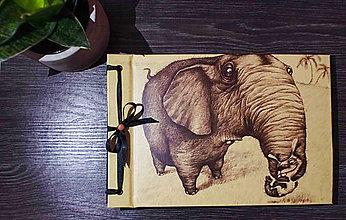 Papiernictvo - Fotoalbum klasický, polyetylénový obal s potlačou ,,Potúlky zajka Bojka naprieč Afrikou,, (Fotoalbum klasický, polyetylénový obal s potlačou (1 foto na stranu) ,,Potúlky zajka Bojka naprieč Afrikou,,) - 9150252_