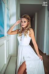 Šaty - Svadobné šaty s V výstrihami zdobenými krajočkou rôzne vzory - 9150437_