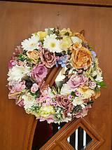 Dekorácie - Jarný veniec na dvere - 9151170_